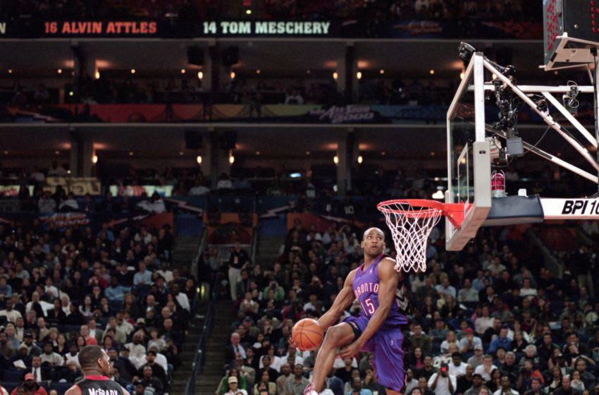 NBA Vince Carter wins dun contest in 2000.