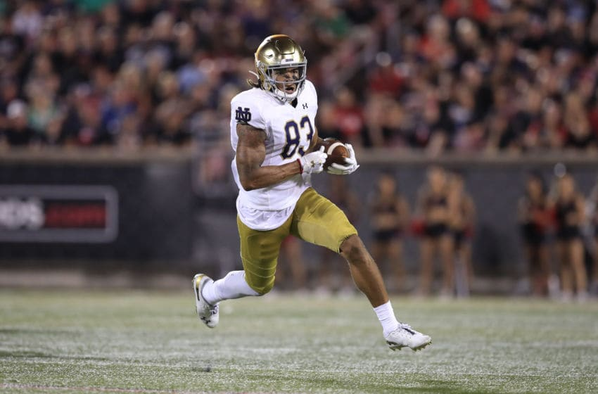 LOUISVILLE, KENTUCKY - SEPTEMBER 02: Chase Claypool #83 of the Notre Dame Fighting Irish runs with the ball against the Louisville Cardinals on September 02, 2019 in Louisville, Kentucky. (Photo by Andy Lyons/Getty Images)
