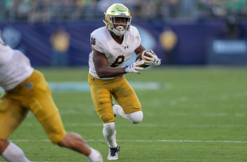 SAN DIEGO, CA - OCTOBER 27: Jafar Armstrong #8 of the Notre Dame Fighting Irish runs with the ball in the 1st half against the Navy Midshipmen at SDCCU Stadium on October 27, 2018 in San Diego, California. (Photo by Kent Horner/Getty Images)