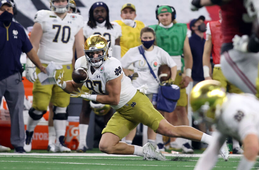 Jan 1, 2021; Arlington, TX, USA; Notre Dame Fighting Irish tight end Michael Mayer (87) makes a catch in the first quarter against the Alabama Crimson Tide during the Rose Bowl at AT&T Stadium. Mandatory Credit: Tim Heitman-USA TODAY Sports