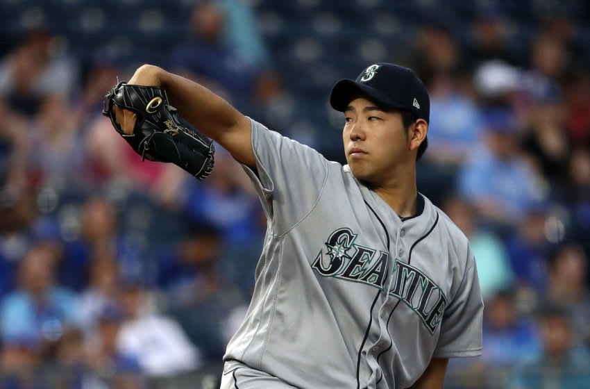 KANSAS CITY, MISSOURI - APRIL 10: Starting pitcher Yusei Kikuchi #18 of the Seattle Mariners pitches during the game against the Kansas City Royals at Kauffman Stadium on April 10, 2019 in Kansas City, Missouri. (Photo by Jamie Squire/Getty Images)