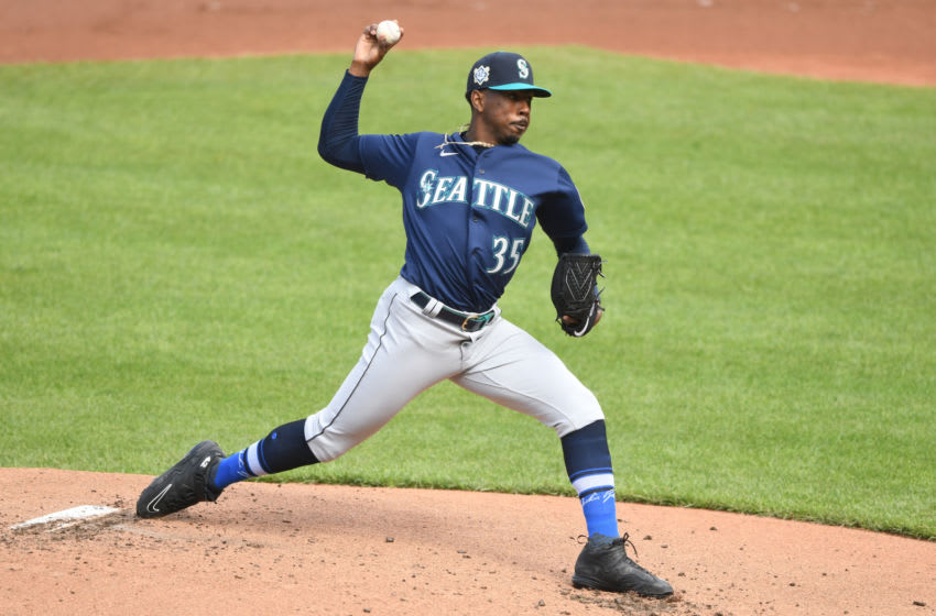 BALTIMORE, MD - APRIL 15: Justin Dunn #35 of the Seattle Mariners pitches. (Photo by Mitchell Layton/Getty Images)