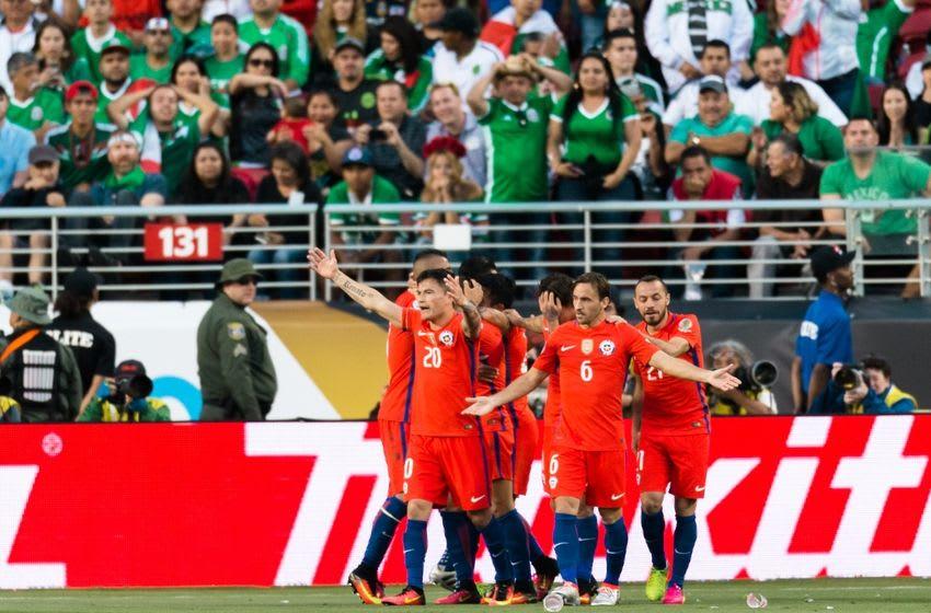 Jun 18, 2016; Santa Clara, CA, USA; Chile forward Alexis Sanchez (7) celebrates scoring goal against Mexico in the second half during quarterfinal play in the 2016 Copa America Centenario soccer tournament at Levi