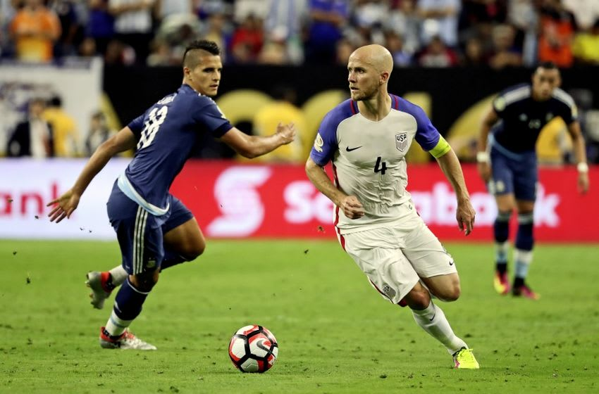 Jun 21, 2016; Houston, TX, USA; United States midfielder Michael Bradley (4) dribbles the ball during the match against Argentina in the semifinals of the 2016 Copa America Centenario soccer tournament at NRG Stadium. Mandatory Credit: Kevin Jairaj-USA TODAY Sports