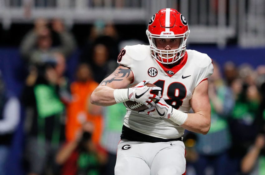 ATLANTA, GA - DECEMBER 02: Isaac Nauta #18 of the Georgia football Bulldogs catches a touchdown pass during the first half against the Auburn Tigers in the SEC Championship at Mercedes-Benz Stadium on December 2, 2017 in Atlanta, Georgia. (Photo by Kevin C. Cox/Getty Images)