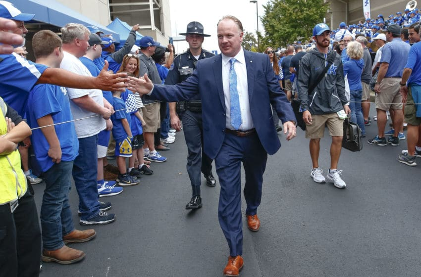 Head coach Mark Stoops of the Kentucky Wildcats (Photo by Michael Hickey/Getty Images)