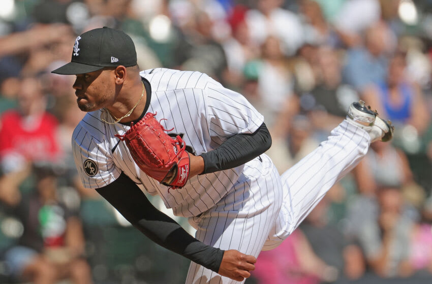 CHICAGO, ILLINOIS - SEPTEMBER 16: Starting pitcher Reynaldo Lopez #40 of the Chicago White Sox delivers the ball against the Los Angeles Angels at Guaranteed Rate Field on September 16, 2021 in Chicago, Illinois. (Photo by Jonathan Daniel/Getty Images)