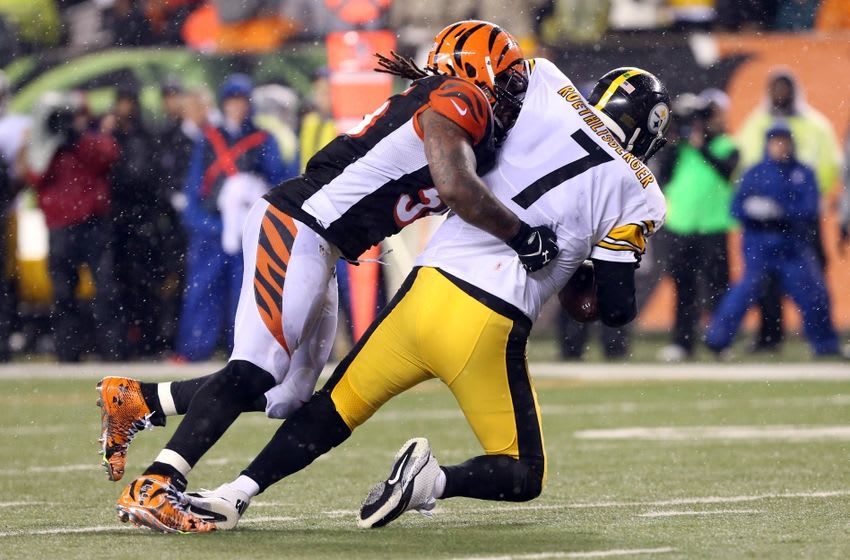 Jan 9, 2016; Cincinnati, OH, USA; Cincinnati Bengals outside linebacker Vontaze Burfict (55) sacks Pittsburgh Steelers quarterback Ben Roethlisberger (7) during the third quarter in the AFC Wild Card playoff football game at Paul Brown Stadium. Mandatory Credit: Aaron Doster-USA TODAY Sports