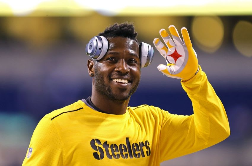 Nov 24, 2016; Indianapolis, IN, USA; Pittsburgh Steelers wide receiver Antonio Brown (84) waves to fans during warmups prior to the game against the Indianapolis Colts at Lucas Oil Stadium. Mandatory Credit: Aaron Doster-USA TODAY Sports