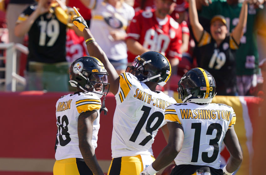 SANTA CLARA, CALIFORNIA - SEPTEMBER 22: JuJu Smith-Schuster #19 James Washington #13 and Diontae Johnson #18 of the Pittsburgh Steelers celebrates after Smith-Schuster caught a pass and broke away for a 76-yard touchdown play against the San Francisco 49ers during the third quarter of an NFL football game at Levi's Stadium on September 22, 2019 in Santa Clara, California. (Photo by Thearon W. Henderson/Getty Images)