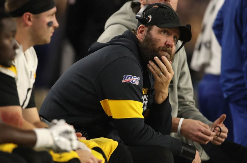 GLENDALE, ARIZONA - DECEMBER 08: Quarterback Ben Roethlisberger #7 of the Pittsburgh Steelers sits on the bench during the second half of the NFL game against the Arizona Cardinals at State Farm Stadium on December 08, 2019 in Glendale, Arizona. The Steelers defeated the Cardinals 23-17. (Photo by Christian Petersen/Getty Images)