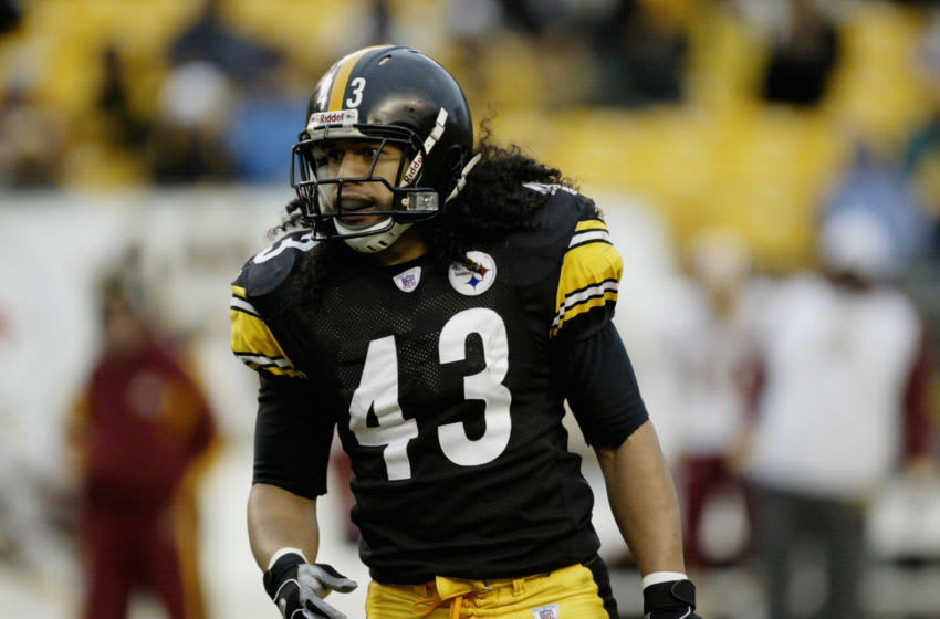 PITTSBURGH - NOVEMBER 28: Safety Troy Polamalu #43 of the Pittsburgh Steelers eyes the Washington Redskins at Heinz Field on November 28, 2004 in Pittsburgh, Pennsylvania. The Steelers defeated the Redskins 16-7. (Photo by George Gojkovich/Getty Images)