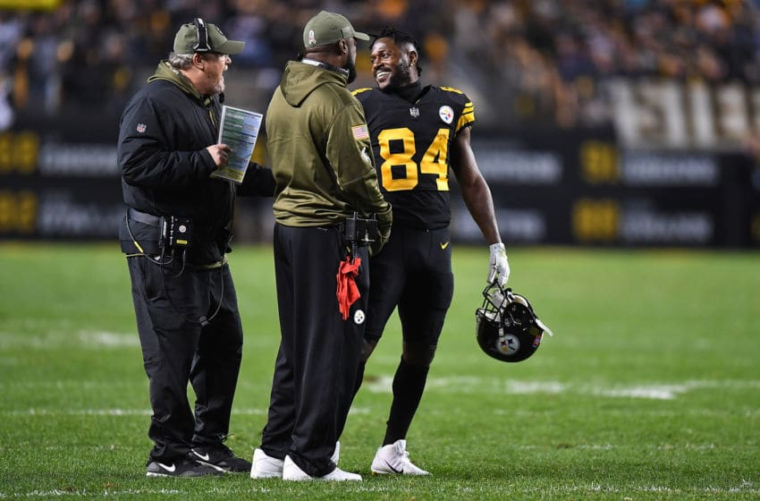 PITTSBURGH, PA - NOVEMBER 08: Antonio Brown #84 of the Pittsburgh Steelers talks to offensive coordinator Randy Fichtner and head coach Mike Tomlin during the second half in the game against the Carolina Panthers at Heinz Field on November 8, 2018 in Pittsburgh, Pennsylvania. (Photo by Joe Sargent/Getty Images)