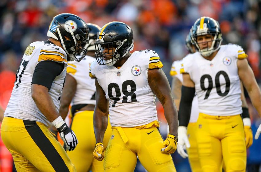 DENVER, CO - NOVEMBER 25: Inside linebacker Vince Williams #98 of the Pittsburgh Steelers celebrates after a third-quarter sack against the Denver Broncos at Broncos Stadium at Mile High on November 25, 2018 in Denver, Colorado. (Photo by Matthew Stockman/Getty Images)