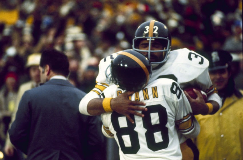 Pittsburgh wide receiver Lynn Swann and Franco Harris. (Photo by Sylvia Allen/Getty Images)