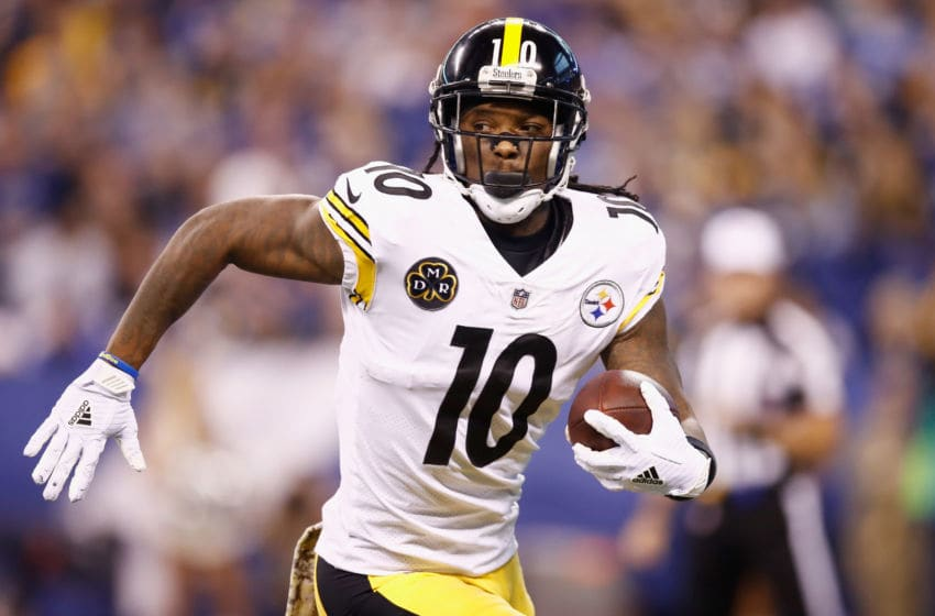 INDIANAPOLIS, IN - NOVEMBER 12: Martavis Bryant #10 of the Pittsburgh Steelers runs with the ball after a reception against the Indianapolis Colts during the first half at Lucas Oil Stadium on November 12, 2017 in Indianapolis, Indiana. (Photo by Andy Lyons/Getty Images)