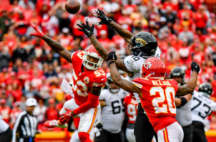 KANSAS CITY, MO - OCTOBER 7: Donte Moncrief #10 of the Jacksonville Jaguars attempts to bring in a pass while being covered tightly by Steven Nelson #20 of the Kansas City Chiefs during the fourth quarter of the game at Arrowhead Stadium on October 7, 2018 in Kansas City, Missouri. (Photo by Peter Aiken/Getty Images)