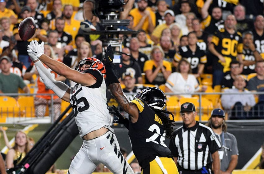 PITTSBURGH, PA - SEPTEMBER 30: Tyler Eifert #85 of the Cincinnati Bengals cannot make a catch as Mark Barron #26 of the Pittsburgh Steelers defends in the first quarter during the game at Heinz Field on September 30, 2019 in Pittsburgh, Pennsylvania. (Photo by Justin Berl/Getty Images)