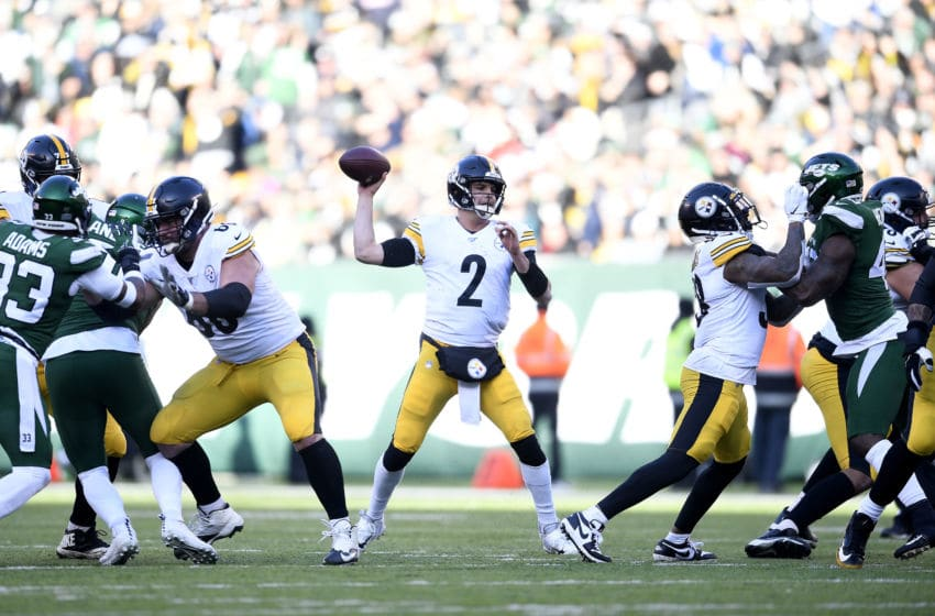EAST RUTHERFORD, NEW JERSEY - DECEMBER 22: Mason Rudolph #2 of the Pittsburgh Steelers looks to pass the ball during the first half of the game against the New York Jets at MetLife Stadium on December 22, 2019 in East Rutherford, New Jersey. (Photo by Sarah Stier/Getty Images)