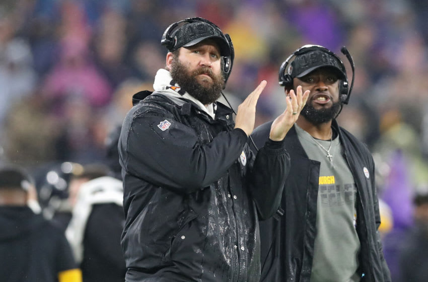 BALTIMORE, MARYLAND - DECEMBER 29: Quarterback Ben Roethlisberger #7 of the Pittsburgh Steelers and head coach Mike Tomlin of the Pittsburgh Steelers look on from the sideline against the Baltimore Ravens during the second quarter at M&T Bank Stadium on December 29, 2019 in Baltimore, Maryland. (Photo by Rob Carr/Getty Images)
