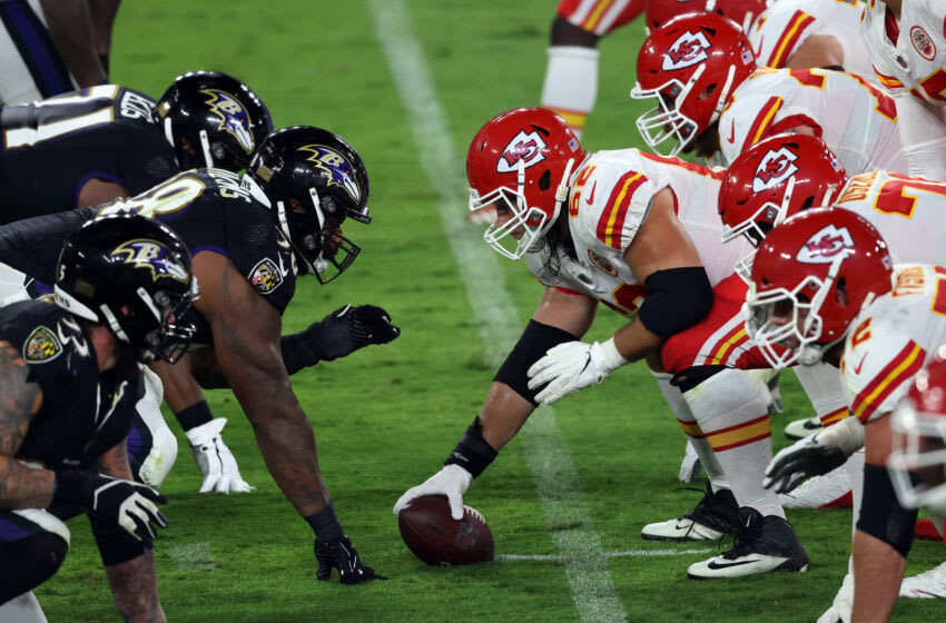 BALTIMORE, MARYLAND - SEPTEMBER 28: Austin Reiter #62 of the Kansas City Chiefs stands prepares to snap the ball against the Baltimore Ravens at M&T Bank Stadium on September 28, 2020 in Baltimore, Maryland. (Photo by Rob Carr/Getty Images)