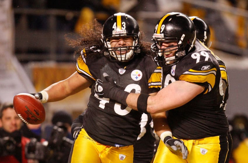 PITTSBURGH - JANUARY 18: Safety Troy Polamalu #43 of the Pittsburgh Steelers celebrates his touchdown with defensive end Brett Keisel against the Baltimore Ravens during the fourth quarter of the AFC championship game on January 18, 2009 at Heinz Field in Pittsburgh, Pennsylvania. (Photo by Gregory Shamus/Getty Images)