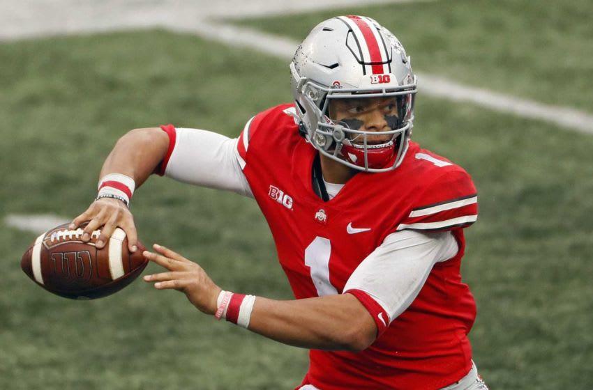 Ohio State Buckeyes quarterback Justin Fields (1).