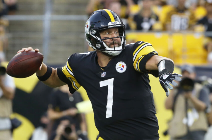 Pittsburgh Steelers quarterback Ben Roethlisberger (7) passes the ball against the Detroit Lions. Mandatory Credit: Charles LeClaire-USA TODAY Sports