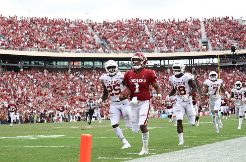 DALLAS, TX - OCTOBER 06: Kyler Murray #1 of the Oklahoma Sooners runs for a touchdown against the Texas Longhorns in the fourth quarter of the 2018 AT&T Red River Showdown at Cotton Bowl on October 6, 2018 in Dallas, Texas. (Photo by Ronald Martinez/Getty Images)