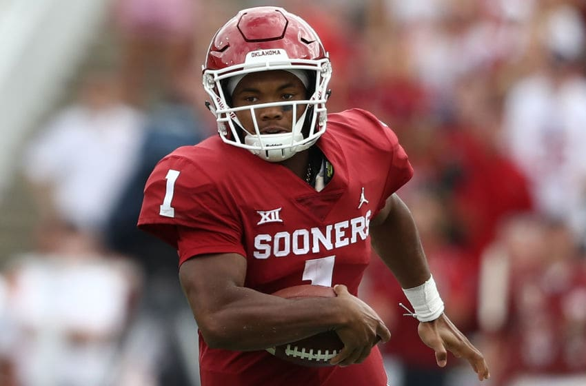 DALLAS, TX - OCTOBER 06: Kyler Murray #1 of the Oklahoma Sooners during the 2018 AT&T Red River Showdown at Cotton Bowl on October 6, 2018 in Dallas, Texas. (Photo by Ronald Martinez/Getty Images)