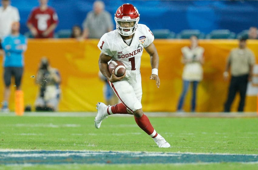 MIAMI, FL - DECEMBER 29: Kyler Murray #1 of the Oklahoma Sooners scrambles with the ball against the Alabama Crimson Tide during the College Football Playoff Semifinal at the Capital One Orange Bowl at Hard Rock Stadium on December 29, 2018 in Miami, Florida. (Photo by Michael Reaves/Getty Images)