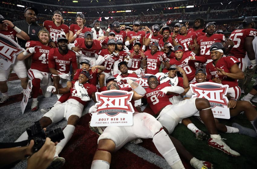 ARLINGTON, TX - DECEMBER 02: The Oklahoma Sooners pose for a team photo after winning the Big 12 Championship against the TCU Horned Frogs 41-17 at AT&T Stadium on December 2, 2017 in Arlington, Texas. (Photo by Ronald Martinez/Getty Images)