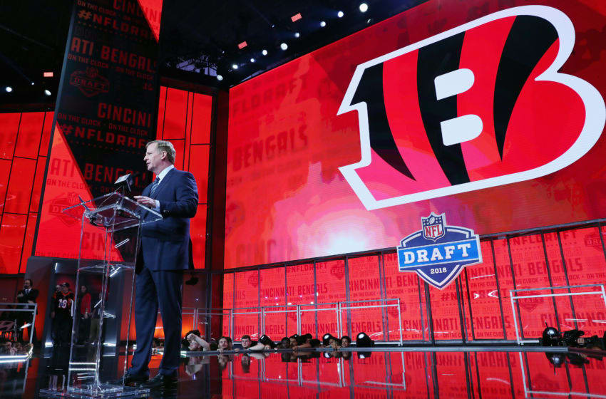 ARLINGTON, TX - APRIL 26: NFL Commissioner Roger Goodell announces a pick by the Cincinnati Bengals during the first round of the 2018 NFL Draft at AT&T Stadium on April 26, 2018 in Arlington, Texas. (Photo by Tom Pennington/Getty Images)