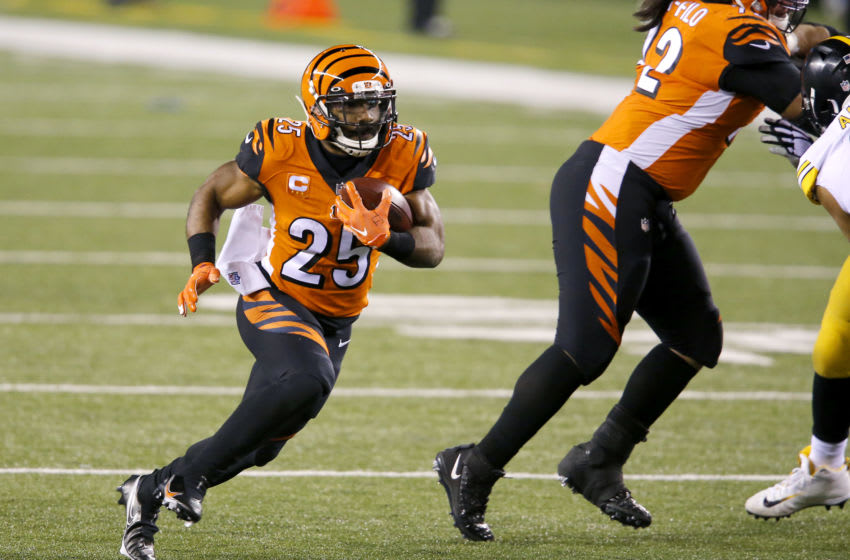 Dec 21, 2020; Cincinnati, Ohio, USA; Cincinnati Bengals running back Giovani Bernard (25) runs during the second quarter against the Pittsburgh Steelers at Paul Brown Stadium. Mandatory Credit: Joseph Maiorana-USA TODAY Sports
