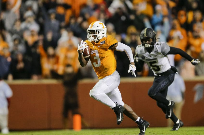 KNOXVILLE, TENNESSEE - NOVEMBER 30: Eric Gray #3 of the Tennessee Volunteers runs a ninety-four yard touchdown against the Vanderbilt Commodores during the second quarter at Neyland Stadium on November 30, 2019 in Knoxville, Tennessee. (Photo by Silas Walker/Getty Images)