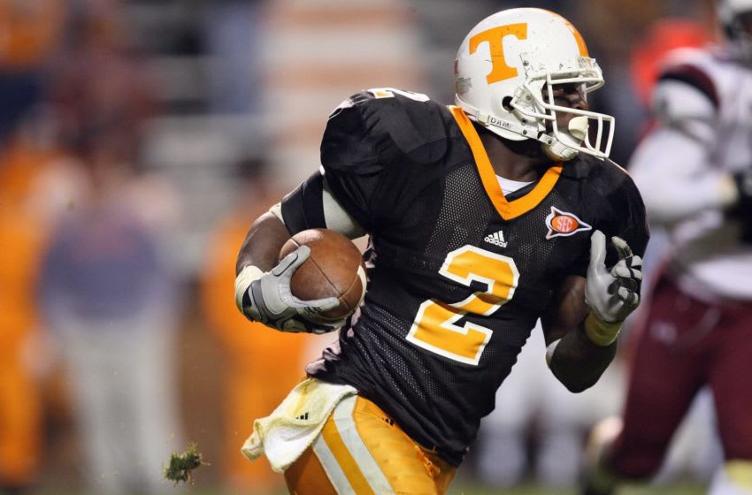 KNOXVILLE, TN - OCTOBER 31: Montario Hardesty #2 of the Tennessee Volunteers carries the ball during the game against the South Carolina Gamecocks at Neyland Stadium on October 31, 2009 in Knoxville, Tennessee. (Photo by Streeter Lecka/Getty Images)