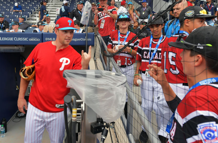 Rhys Hoskins #17 of the Philadelphia Phillies (Photo by Drew Hallowell/Getty Images)