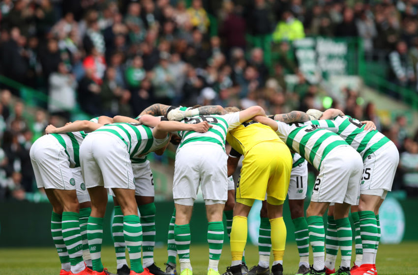 GLASGOW, SCOTLAND - MAY 19: Celtic players huddle prior to the Ladbrokes Scottish Premiership match between Celtic and Hearts at Celtic Park on May 19, 2019 in Glasgow, Scotland. (Photo by Ian MacNicol/Getty Images)