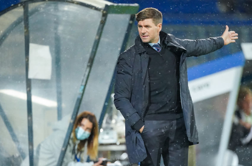 TILBURG, NETHERLANDS - SEPTEMBER 24: trainer coach Steven Gerrard of Rangers FC during the UEFA Europa League third qualifying round match between Willem II and Rangers FC at Koning Willem II Stadium on September 24, 2020 in Tilburg, Netherlands (Photo by Jeroen Meuwsen/BSR Agency/Getty Images)