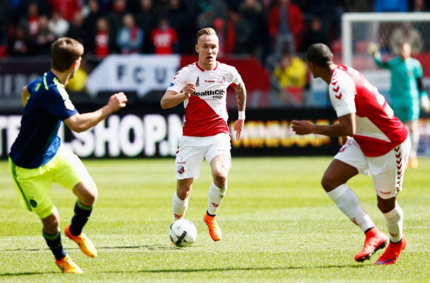 UTRECHT, NETHERLANDS - APRIL 05: Mark Diemers of Utrecht in action during the Dutch Eredivisie match between FC Utrecht and Ajax Amsterdam held at Stadion Galgenwaard on April 5, 2015 in Utrecht, Netherlands. (Photo by Dean Mouhtaropoulos/Getty Images)