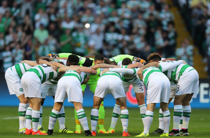 GLASGOW, SCOTLAND - AUGUST 17: The Celtic Huddle before the start of their UEFA Champions League, Qualifying Play-Off 1st Leg between Celtic and Hapoel Be'er Sheva at Celtic Park on August 17, 2016 in Glasgow, Scotland. (Photo by Steve Welsh/Getty Images)
