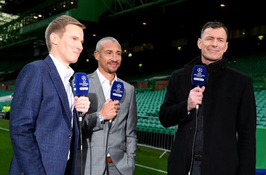 GLASGOW, SCOTLAND - SEPTEMBER 12: Former Celtic players Henrik Larsson (C) and Chris Sutton (R) talk prior to the UEFA Champions League Group B match between Celtic and Paris Saint Germain at Celtic Park on September 12, 2017 in Glasgow, Scotland. (Photo by Mike Hewitt/Getty Images)