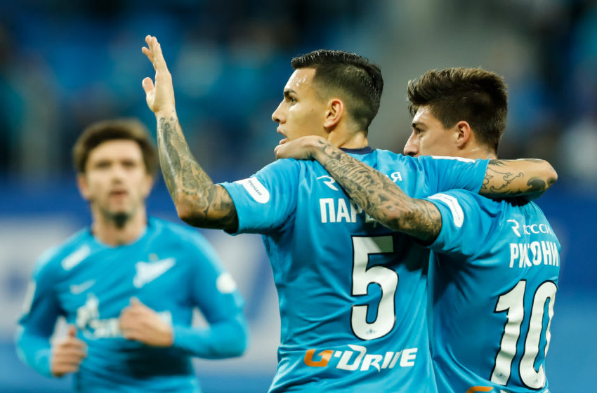 SAINT PETERSBURG, RUSSIA - DECEMBER 02: Leandro Paredes (C) of FC Zenit Saint Petersburg celebrates his goal with Emiliano Rigoni (R) during the Russian Football League match between FC Zenit St. Petersburg and FC Ural Ekaterinburg on December 2, 2017 at Saint Petersburg Stadium in Saint Petersburg, Russia. (Photo by Epsilon/Getty Images)