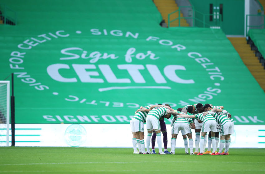 GLASGOW, SCOTLAND - AUGUST 18: The Celtic team create a huddle prior to the UEFA Champions League: First Qualifying Round match between Celtic and KR Reykjavik at Celtic Park on August 18, 2020 in Glasgow, Scotland. (Photo by Ian MacNicol/Getty Images)