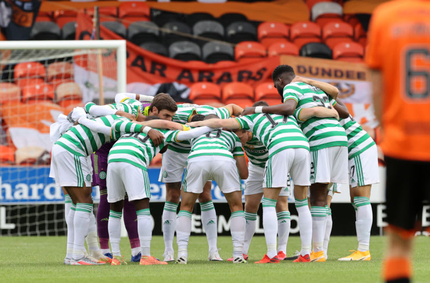 DUNDEE, SCOTLAND - AUGUST 22: Celtic players form a team huddle prior to the Ladbrokes Scottish Premiership match between Dundee United and Celtic at Tannadice Park on August 22, 2020 in Dundee, Scotland. (Photo by Steve Welsh/Pool via Getty Images)