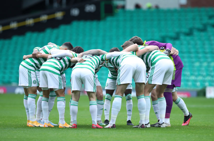 GLASGOW, SCOTLAND - OCTOBER 17: Celtic players huddle prior to the Ladbrokes Scottish Premiership match between Celtic and Rangers at Celtic Park on October 17, 2020 in Glasgow, Scotland. Sporting stadiums around the UK remain under strict restrictions due to the Coronavirus Pandemic as Government social distancing laws prohibit fans inside venues resulting in games being played behind closed doors. (Photo by Ian MacNicol/Getty Images)