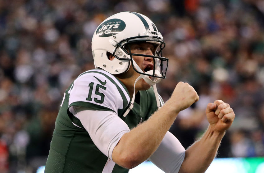 EAST RUTHERFORD, NEW JERSEY - DECEMBER 03: Josh McCown #15 of the New York Jets celebrates the two point conversion in the fourth quarter against the Kansas City Chiefs on December 03, 2017 at MetLife Stadium in East Rutherford, New Jersey.The New York Jets defeated the Kansas City Chiefs 38-31. (Photo by Elsa/Getty Images)