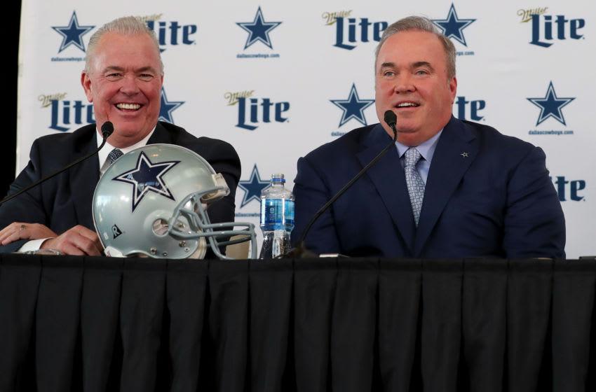 Stephen Jones, Mike McCarthy, Dallas Cowboys (Photo by Tom Pennington/Getty Images)
