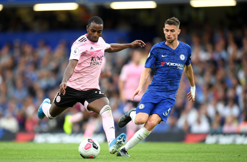 LONDON, ENGLAND - AUGUST 18: Ricardo Pereira of Leicester City under pressure by Jorginho of Chelsea during the Premier League match between Chelsea FC and Leicester City at Stamford Bridge on August 18, 2019 in London, United Kingdom. (Photo by Michael Regan/Getty Images)