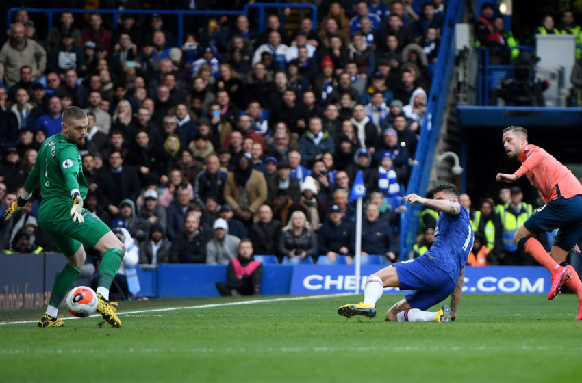 LONDON, ENGLAND - MARCH 08: Olivier Giroud of Chelsea scores his team's fourth goal during the Premier League match between Chelsea FC and Everton FC at Stamford Bridge on March 08, 2020 in London, United Kingdom. (Photo by Mike Hewitt/Getty Images)